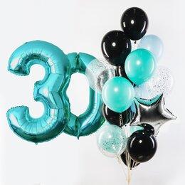 Фонтан из шаров с цифрами и с черными и тиффани шарами, серебряными звездой и конфетти