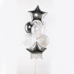 Фонтан из шаров с серебряными звездами, одним серебряными шаром хром и серыми шарами