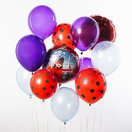 Фонтан из шаров с кругом Леди Баг в Париже, красными шарами в горошек и фиолетовыми шарами