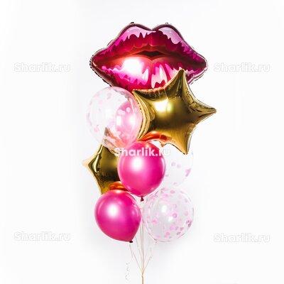 Фонтан из шаров с розовыми губами на верхушке, золотыми звездами и розовыми шарами
