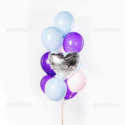 Фонтан из шаров с серебряным сердцем и шарами фиолетового и голубого цвета