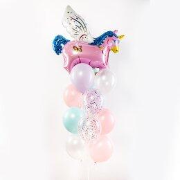 Фонтан из шаров с розовой единорожкой и светлыми шарами розового, голубого, сиреневого и белого цвета