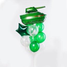 Фонтан из шаров с танком, зеленой звездой и зелеными шарами
