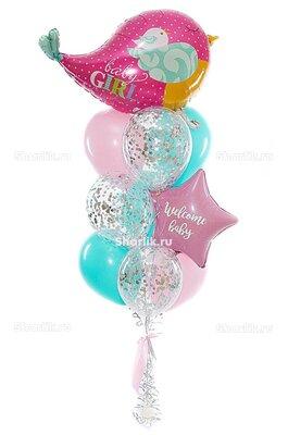 Фонтан из шаров с большой розовой птичкой и звездой с надписью, в розово-голубых тонах