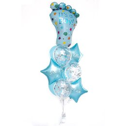 Фонтан из шаров с голубой пяточкой и надписью, мальчику, на подставке из голубых шаров и звезд с надписью